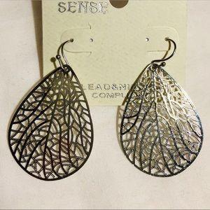 Vintage silver teardrop dangle earring
